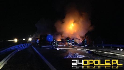 Tragiczny karambol na autostradzie A4, samochody stanęły w płomieniach