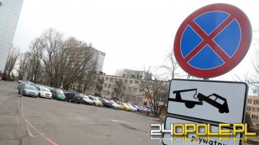 Mieszkańcy ulicy Spychalskiego stracili darmowy parking pod blokiem