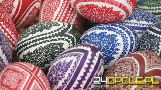 Jajka na Wielkanoc muszą być kolorowe. Skąd ten zwyczaj?