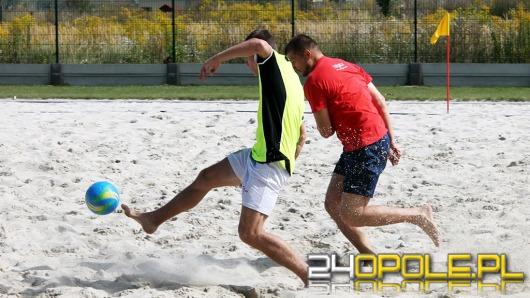 Turniej piłki nożnej plażowej w Centrum Sportu