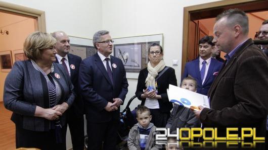 Para Prezydencka wręczyła Opolanom Kartę Dużej Rodziny