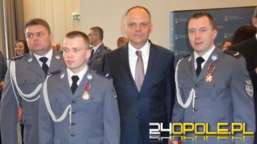 Policjanci z Namysłowa odznaczeni za dzielność