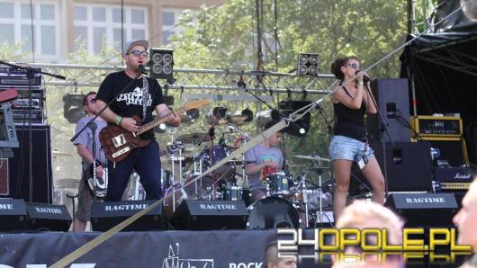 """Gwiazdy rocka na błoniach PO. Trwa """"Rock Opole 2015""""."""
