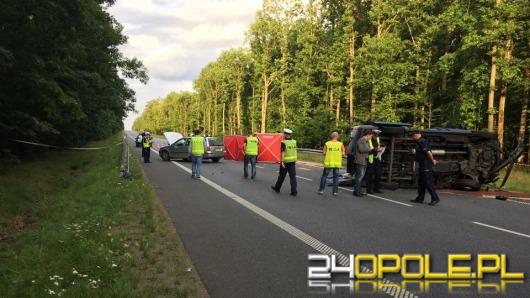 Tragiczny wypadek w Dębskiej Kuźni. 2 osoby nie żyją, a jest 9 rannych.