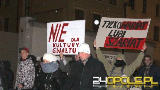 """Opolanie protestowali przeciw """"islamskiemu terroryzmowi"""""""
