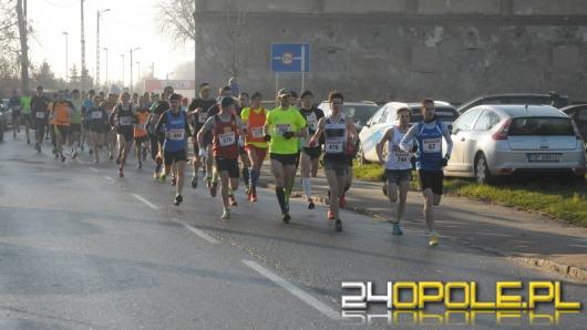 Blisko tysiąc biegaczy wystartowało w Strzeleckim Biegu Ulicznym