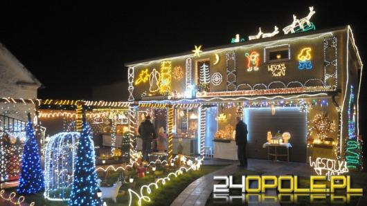 Świąteczna iluminacja ogrodu pana Henryka jest jeszcze okazalsza