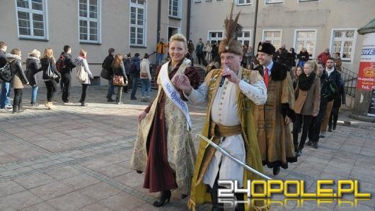 W czwartek tradycyjny polonez dla maturzystów na opolskim rynku