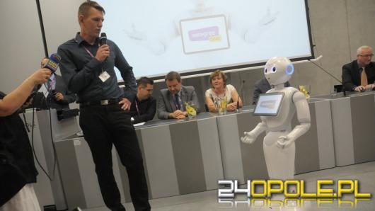 Humanoidalny robot pomoże ludziom w codziennych obowiązkach