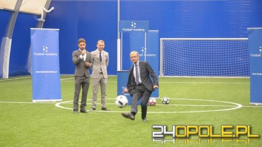 """Uczniowie """"Gzowskiego"""" i mieszkańcy miasta mogą już grać w """"Football Park""""!"""