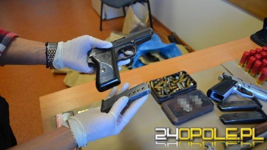 Narkotyki, broń palna i amunicja w samochodzie, wracającym z Holandii