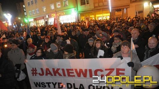 """""""Strajk Obywatelski"""". Opolanie demonstrowali sprzeciw wobec działań władzy."""