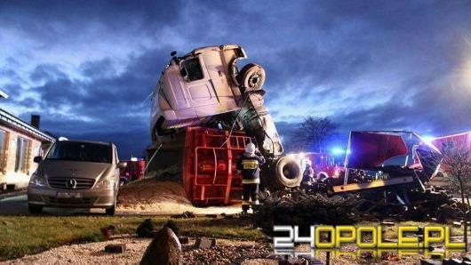 Ciężarówka przewróciła się w Izbicku