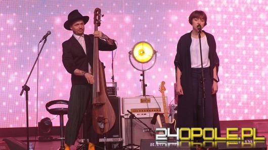 Wojtek Mazolewski Quintet energetycznie w utworze o Opolu