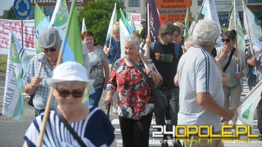 """Protest na  obwodnicy Opola. """"Zniszczono samorządność"""""""