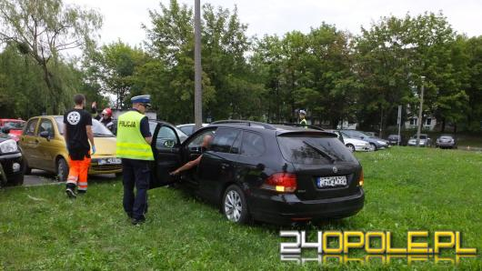 Zasłabł i uderzył w latarnię na ul. Sosnkowskiego w Opolu