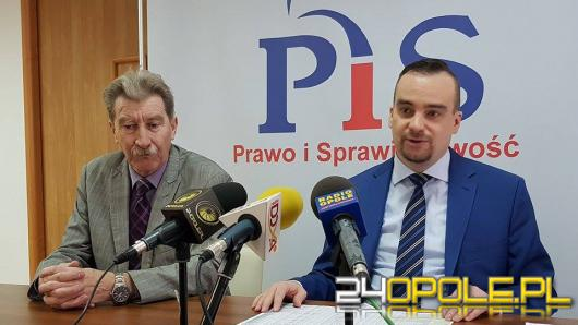 Namysłów: Burmistrz wydał ponad 800 tys. złotych na premię dla najbliższych pracowników.