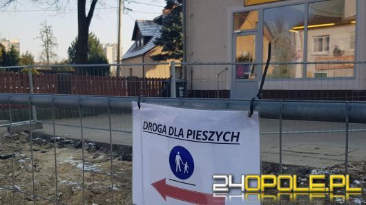 """Nowoczesna apeluje o pomoc dla handlowców z Niemodlińskiej. """"To nie ich wina że prace idą fatalnie"""""""