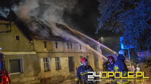 11 zastępów straży walczyło z pożarem domu jednorodzinnego w Lewinie Brzeskim