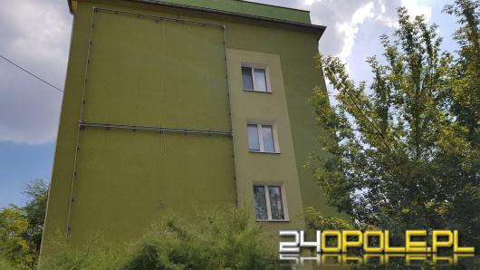 Antyaborcyjny baner. Fundacja PRO oskarża prezydenta i policję o zastraszenie mieszkańców.