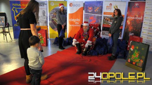 Około setka dzieci z domów dziecka została obdarowana prezentami w Dom Expo