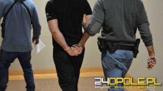 Mierzył z broni do policjantów, został obezwładniony i zatrzymany