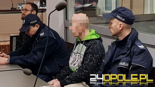 Napadł z nożem na sex-shop i ukradł kasetkę z pieniędzmi. Sylwester S. przed sądem