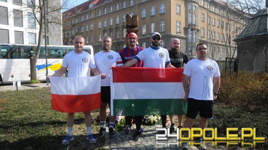 Grupa biegaczy z Opola na sportowo uczciła Dzień Przyjaźni Polsko - Węgierskiej