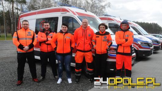 Ratownicy testują nowe karetki na..torze wyścigowym w Kamieniu Śląskim