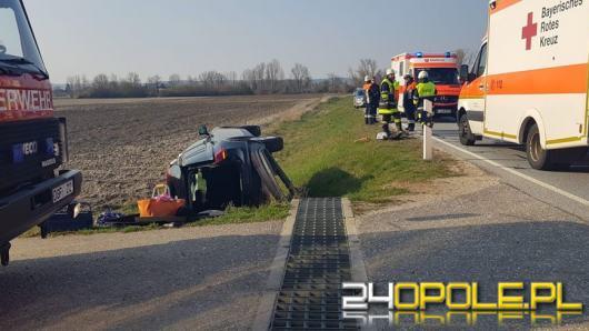 Prudnicki policjant na urlopie pomógł poszkodowanym w wypadku