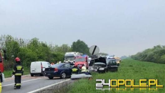 Zablokowana obwodnica Opola po zderzeniu trzech samochodów