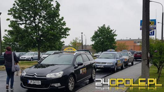Ratusz chce podzielić miasto na dwie strefy taxi. Najpierw jednak czeka na opinie Opolan