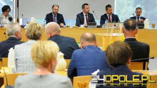 Na 7 sesji Sejmiku Województwa Opolskiego poruszono temat języka mniejszości w szkołach