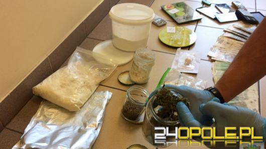 Sprzedawali narkotyki, usłyszeli ponad 1000 zarzutów. Grupa przestępcza rozbita