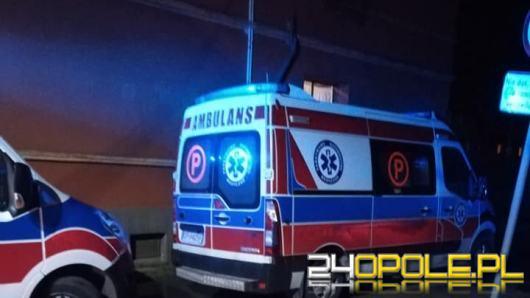 Mężczyzna zasłabł podczas akcji strażaków w Lewinie Brzeski. Zmarł