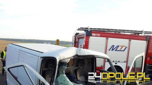 Śmigłowiec LPR lądował na opolskim odcinku A4. Ranny zakleszczony w pojeździe