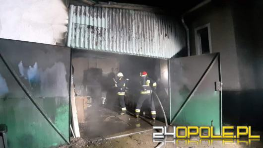 Pożar garażu w Polskiej Cerekwi. Mogło dojść do wybuchu