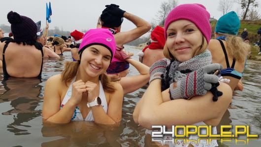 Nie ma złej pory na wejście do zimnej wody. Morsy Opole znów tłumnie na kąpielisku Bolko