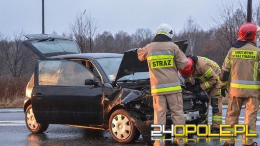 Zablokowana DK 46 w Dąbrowie po zderzeniu pojazdów
