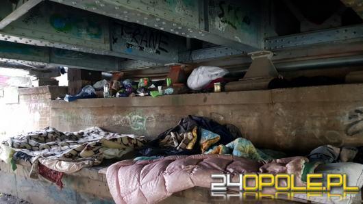 Pamiętajmy w Święta Bożego Narodzenia o bezdomnych i potrzebujących