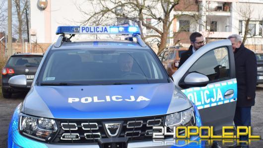 Policjanci z Ozimka dostali nowy radiowóz