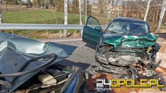 Czołowe zderzenie w Bogdanowicach pod Głubczycami. Poszkodowane 4 osoby w tym dziecko