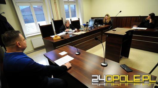 """Banery antyaborcyjne. Wyrok: Oskarżony złamał przepisy ruchu drogowego ale nie """"zgorszył"""" Opolan"""