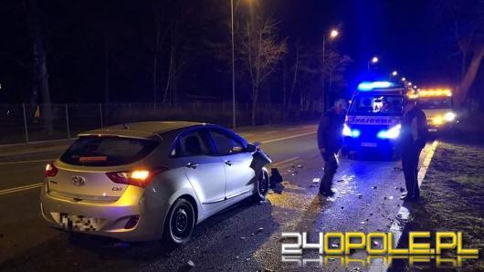 Wypadek na Niemodlińskiej w Opolu. Kierowca osobówki w szpitalu