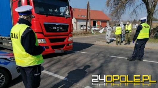Opolscy policjanci sprawdzają miejsca kwarantanny