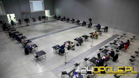 Wyjątkowa sesja rady miasta w Centrum Wystawienniczo-Kongresowym