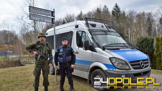 Obywatele Ukrainy chcieli nielegalnie przekroczyć granicę Polski. Zatrzymali ich opolscy żołnierze