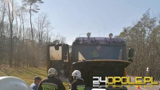 Strażacy wyjechali do pożaru samochodu ciężarowego w Dębskiej Kuźni