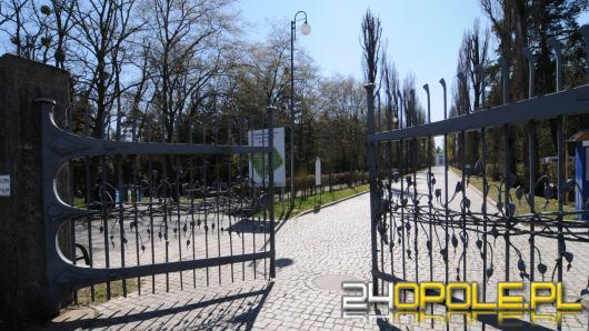 Cmentarze nie zostaną zamknięte, ale za wybranie się tam można dostać mandat