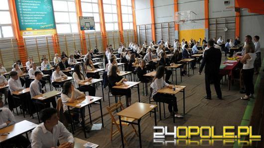Egzamin maturalny i ósmoklasisty przesunięty najwcześniej na koniec czerwca